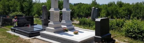 Obnovljeni spomenici Teslinim roditeljima