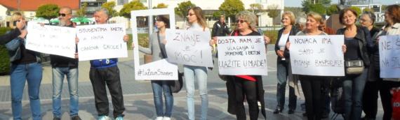 Protest protiv ukidanja odluke o sufinansiranju prevoza studenata
