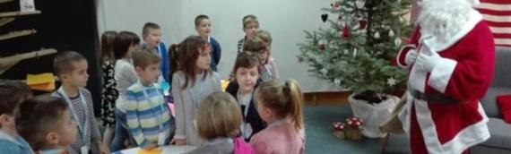 Kutak Deda Mraza u vukovarskoj knjižnici