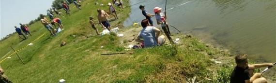 Na borovskom Poretku održano takmičenje u pecanju na plovak za kadete