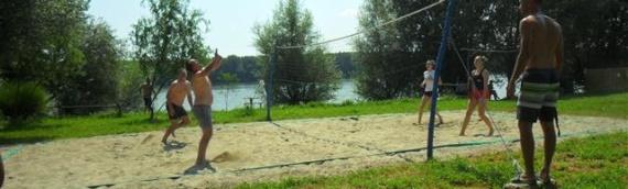 Borovo: U Pinki parku na obali Dunava odigran Letnji turnir u odbojci na pesku