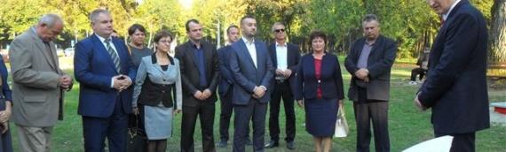 Mađarska vlada poklonila dečje igralište u vukovarskoj Adici