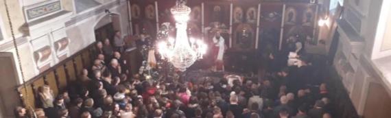 Osveštan krst za novoizgrađenu kapu crkvenog tornja u Borovu