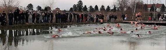 Bogojavljensko plivanje u Trpinji okupilo 49 plivača: Časni krst osvojio Milan Penić iz Silaša