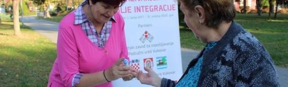 Ulična akcija Udruženja žena Vukovar povodom Međunarodnog dana starijih osoba