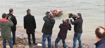 Pupovac s delegacijom položio vence za Srbe i Hrvate ubijene i stradale u Vukovaru 1991.