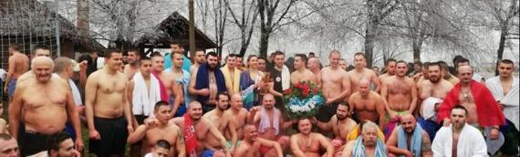 Bogojavljensko plivanje u Trpinji: Časni krst osvojila Snežana Bijelić iz Vukovara