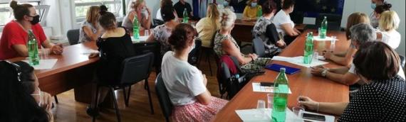 """Zajedničko veće opština zaposlilo 23 osobe u projektu """"Želim, radim"""""""