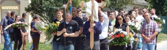 Hiljade ljudi na poslednjem ispraćaju prote Jovana Radivojevića
