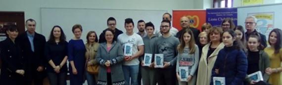 Najboljim učenicima vukovarskih škola Lionsi poklonili tablete
