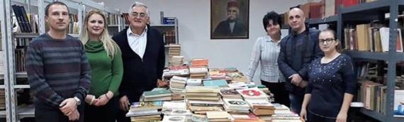 """U akciji borovskog SDSS-a prikupljeno 1850 knjiga za biblioteku SKD """"Prosvjete"""" u Borovu"""