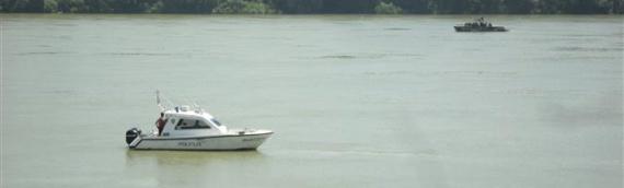 Dunav kod Vukovara: Pripremno stanje odbrane od poplava, a traga se i za nestalima u sudaru brodova u Budimpešti