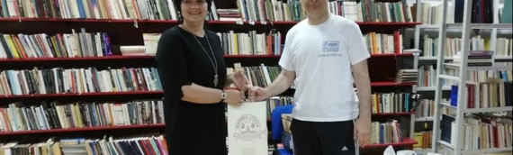 """Borovski SDSS donirao knjige """"Prosvjetinoj"""" biblioteci u Borovu"""