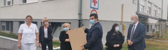 Donacija zaštitnih maski vukovarskoj bolnici