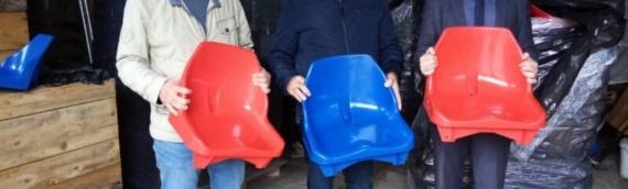 Zajedničkom veću opština iz Vukovara stigla donacija od 500 plastičnih stolica za tribine