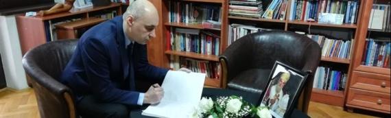 U Knjigu žalosti u GK Srbije u Vukovaru upisao se i predsednik ZVO Srđan Jeremić