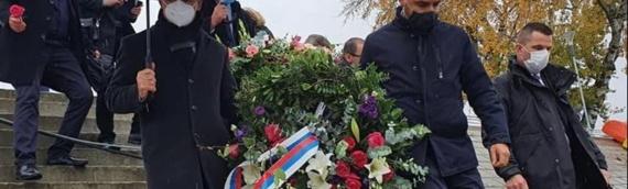 Delegacija SNV-a položila vence u Vukovaru: Žrtve ne delimo niti razdvajamo