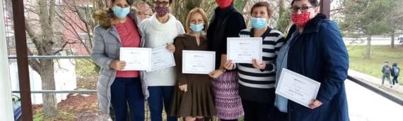 Prva grupa žena uspešno završila besplatni kurs šivanja u Udruženju žena Vukovar