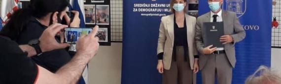 """Potpisan ugovor vredan 266 hiljada kuna za uređenje DV """"Zlatokosa"""""""