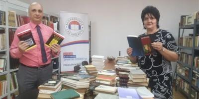 """ZVO doniralo 500-tinjak knjiga biblioteci borovske """"Prosvjete"""""""
